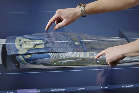 museum multitouch